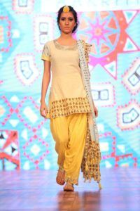 IBFW_2016_Sukriti_Aakriti_Salwar_Kameez_Fashion_Style
