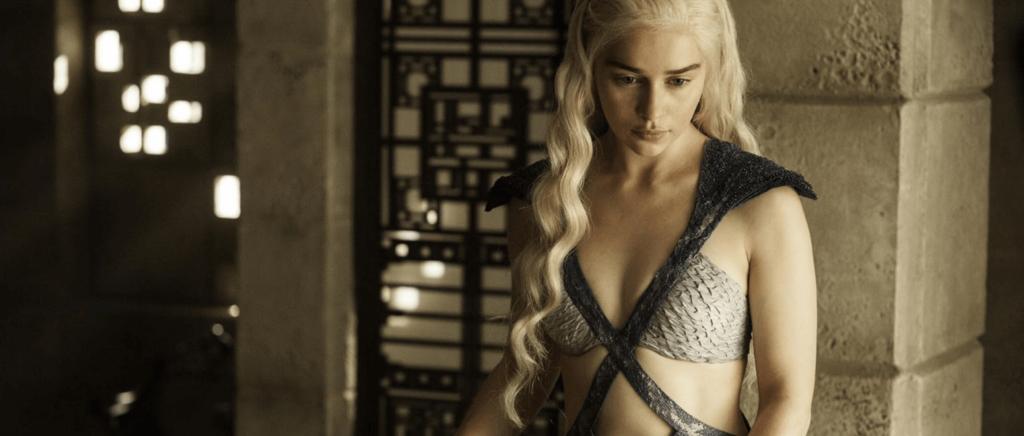 Period_Drama_TV_Game_Of_Thrones_Danerys_Fashion_Style