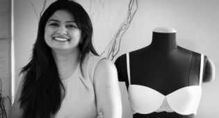 Buttercups_Founder_Arpita_Featured_Image_Fashion_Style