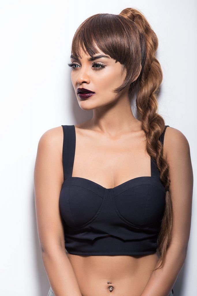 Party_makeup_dark_lips_nineties_fashion_style