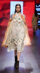 Lakme_Fashion_Week_2016_Aartivijay_Gupta_Fashion_Style