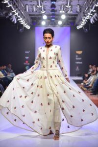 Purvi_Doshi_Bangalore_Fashion_Week_Fusion_Style