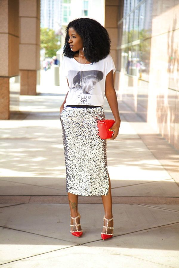 Graphic_Tshirts_Sequin_skirt_Fashion_Style