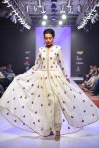 Purvi_Doshi_Bangalore_Fashion_Week_Fusion_Style