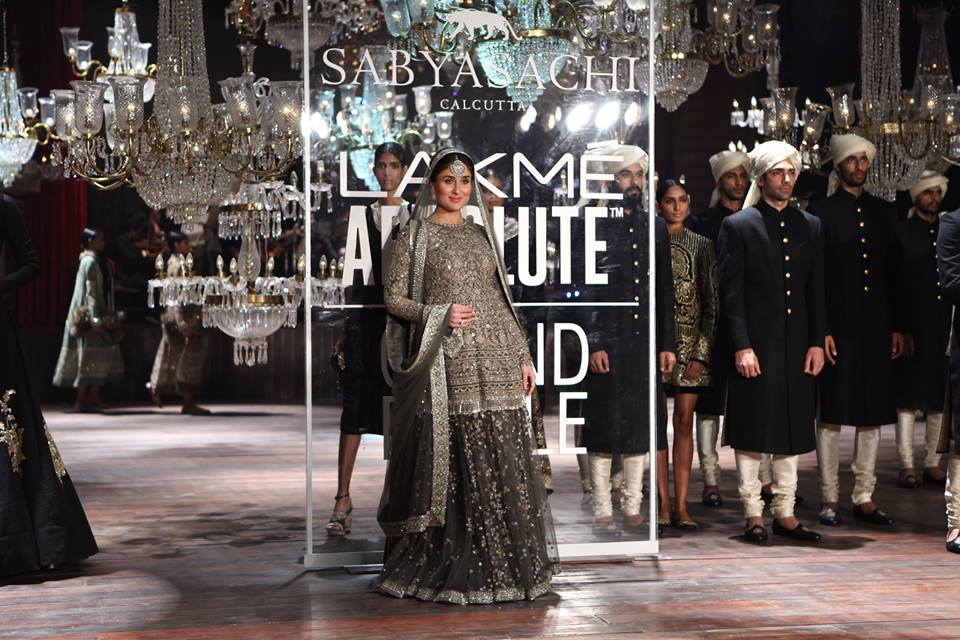 Sabyasachi_Mukherjee_Kareena_Kapoor_Khan_Lakme_Fashion_Week_Style