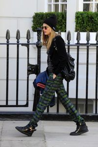 Supermodels_offduty_Cara_Delevigne_Checks_Fashion_Style
