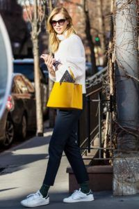 Supermodels_offduty_Karlie_Kloss_sweater_Fashion_Style