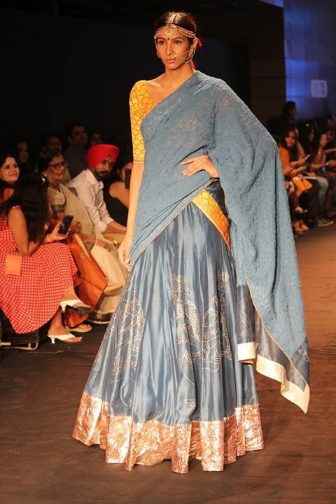 Emerging_designers_India_Runway_Week_ManikaSurekha_Show_Fashion_Style