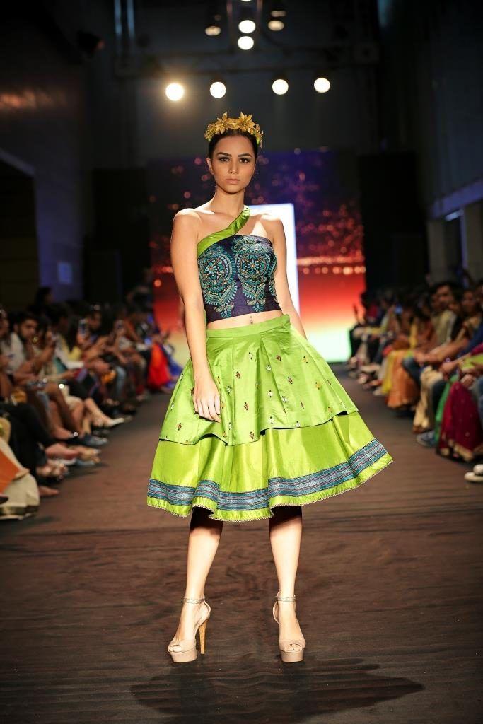 Emerging_designers_India_Runway_Week_StutiShah_Dress_Fashion_Style
