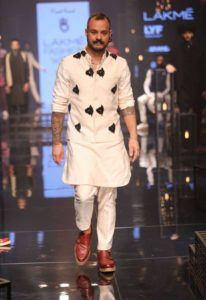 Lakme_Fashion_Week_2016_Menswear_Kunal_Rawal_Monochromatic_Fashion_Style