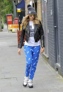 Supermodels_offduty_Cara_Delevigne_Pyjamas_Fashion_Style