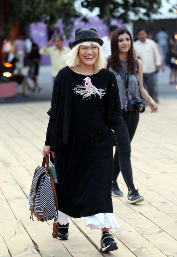 amazonindiafashionweek_ss17_streetstyle_aienjamir_fashion_style