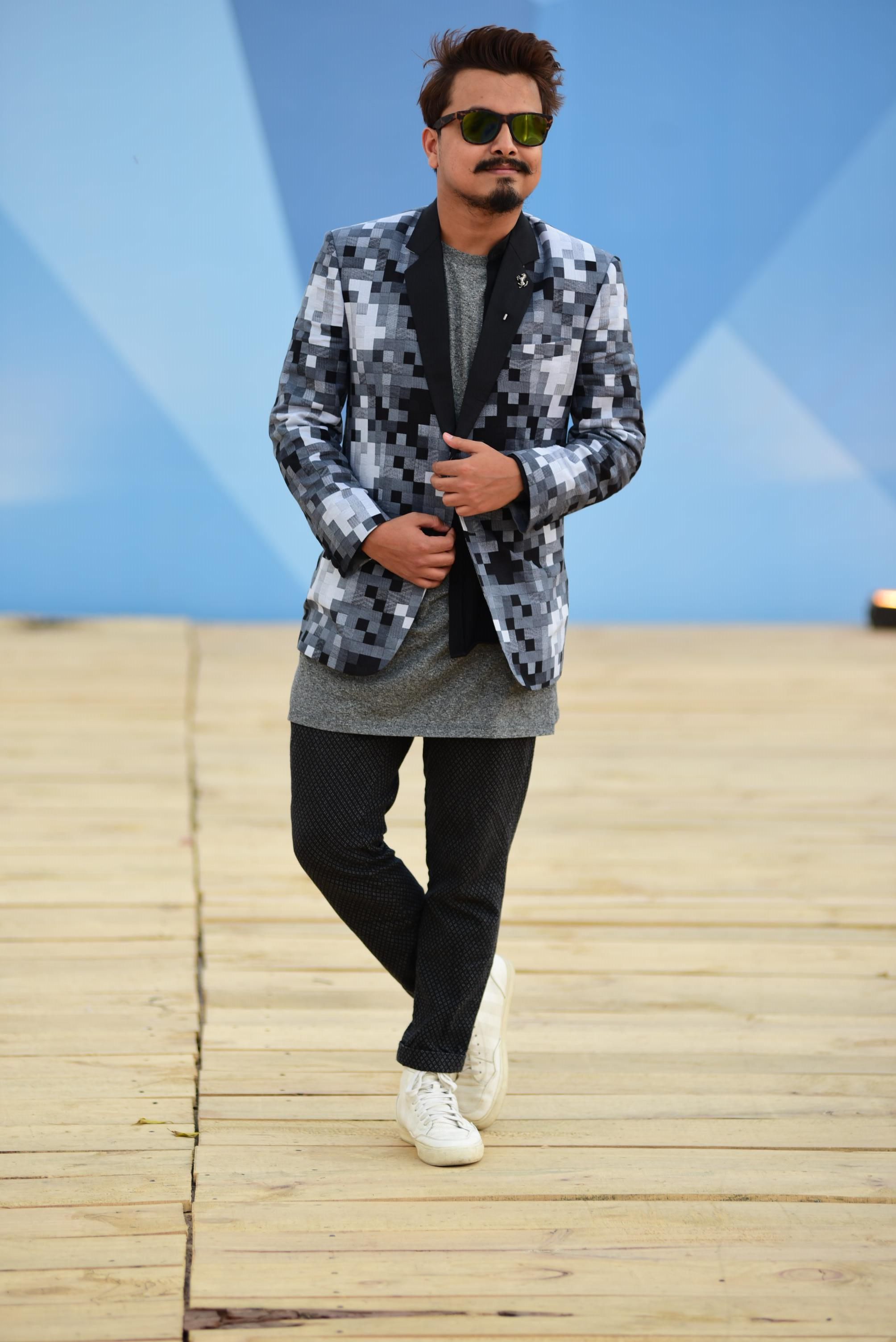 men_amazonindiafashionweek_monochrome_fashion_style