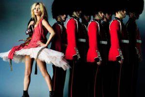 Mario-Testino-Kate-Moss-British-Vogue-2009-via-pleasurephoto.wordpress.com-1200-865x577