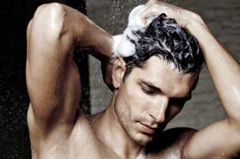 Top 5 Monsoon Grooming Tips for Men