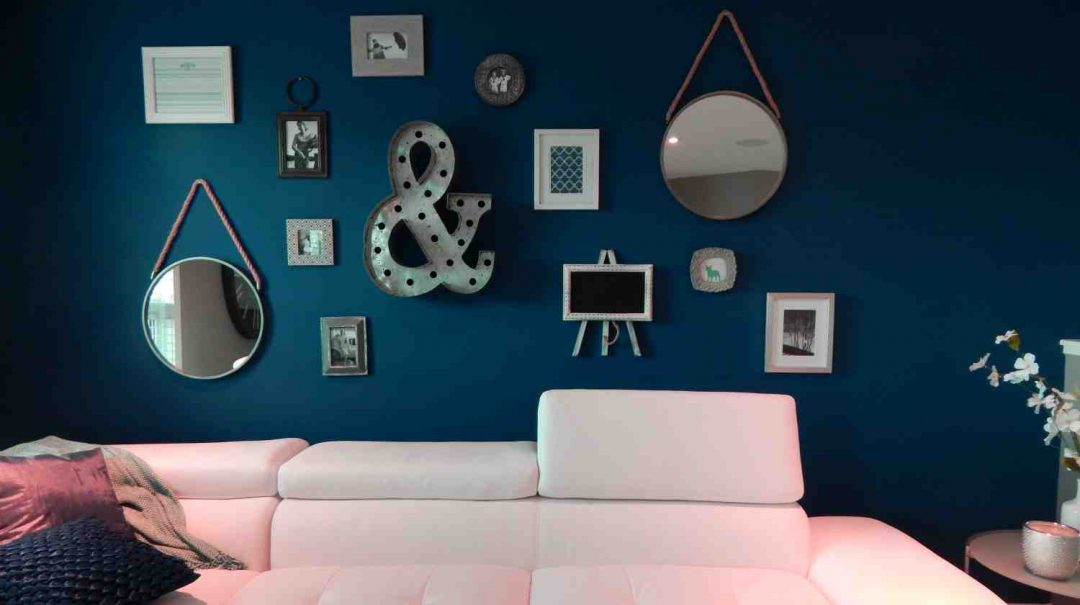apartment-chair-comfort-comfortable-room-decor-ideas-px-Feature