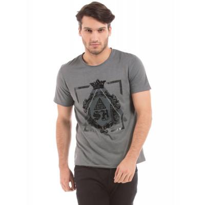 Shuffle Cement Heraldic Shield Print T-Shirt