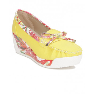 Yepme Women's Yellow Synthetic Loafers